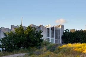 Edificio Escuela de Arte Algeciras. Foto: Luis Sánchez Maraia, 2013.